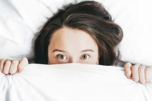 Soffri di insonnia? Colpa di stress e vita sregolata